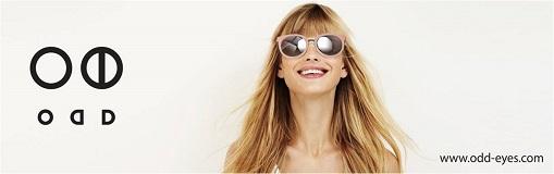 오드 아이즈 브랜드 스토리<br><br>2대째 안경원을 운영하고 있는 안경사의 경험에서 오드 아이즈는 만들어지고 있습니다.<br>오드 아이즈는 25년동안의 생각과 경험을 그대로 풀어놓고 있습니다.<br>원색적인 컬러의 임팩트 보다는 깊은 곳에서 풍기는 은은한 풍미와<br>심플하면서도 세련된 맛을 추구합니다.<br>화려하지만 세련된 라인과 풍부한 컬러는 충분히 보는 사람으로 하여금 눈을 즐겁게 합니다.<br>수많은 메이저 브랜드를 직접 다뤄온 경험을 바탕으로 순수 국내에서 제작하면서<br>합리적인 가격으로 편안하고 완성도 높은 아이웨어를 만드는 것이 그의 궁극적인<br>지향점입니다.<br>동 가격대에서 제공할 수 있는 최상의 퀄리티를 추구하며<br>아이웨어를 알고 있는 오랜 경험의 안경사의 손에서 만들어지기에<br>아이웨어를 착용하는 사람이 무엇을 요구하는지를 가장 잘 이해하며<br>소비자와 끊임없이 소통하면서 생산까지 연결할 수 있는 것이<br>오드 아이즈의 가장큰 장점이 될 것입니다.